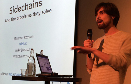 Mike van Rossum giving a bitcoin presentation, picture by Michelle Gemmeke